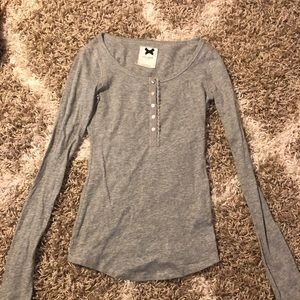 Gilly Hicks long sleeve gray shirt
